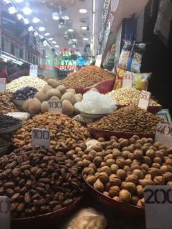 new-delhi-market-nuts