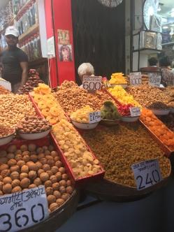 new-delhi-market